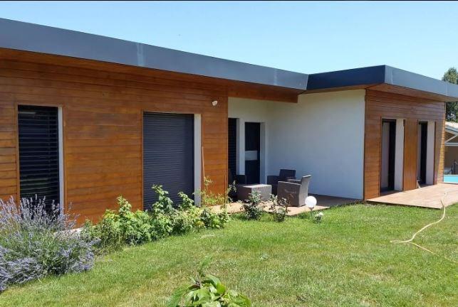 location magnifique maison avec piscine dominant la ville pour 8 personnes