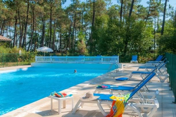 Location vacances Lacanau -  Maison - 6 personnes - Salon de jardin - Photo N° 1