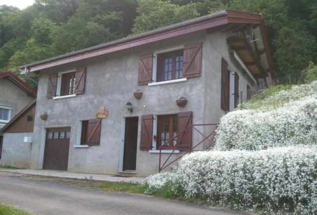 Location vacances Cornod -  Maison - 6 personnes - Jardin - Photo N° 1