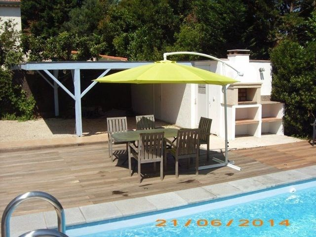 La Ritournelle est une chouette maison de vacances avec un très beau jardin clôturé, idéalement située dans un quarti...
