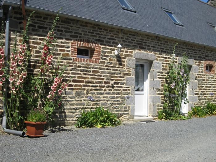 Holiday rentals Langoat - House - 6 persons - BBQ - Photo N° 1