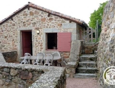 Location vacances Le Crozet -  Maison - 4 personnes - Barbecue - Photo N° 1