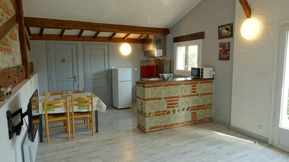 Location vacances Villeneuve-Tolosane -  Gite - 4 personnes - Barbecue - Photo N° 1