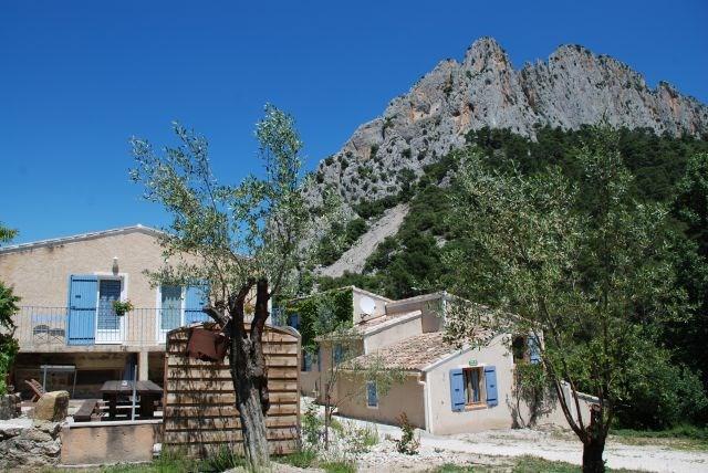 Le Gîte du Saint Julien : gîtes et chambres d'hôtes avec piscine dans la drôme provençale