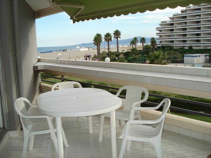 Location vacances Canet-en-Roussillon -  Appartement - 5 personnes - Salon de jardin - Photo N° 1