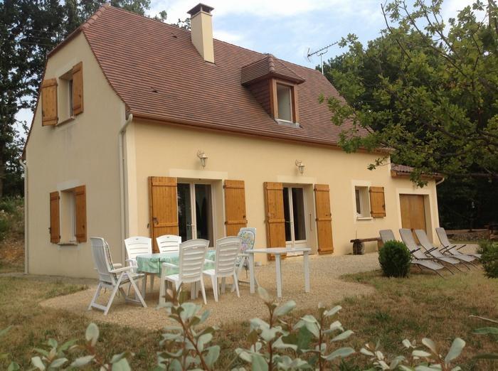 Maison avec sa terrasse n°1