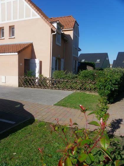 Maison avec abri vélos  parking privé et jardinet