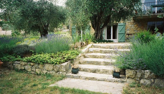 Location vacances Le Rouret -  Appartement - 2 personnes - Jardin - Photo N° 1