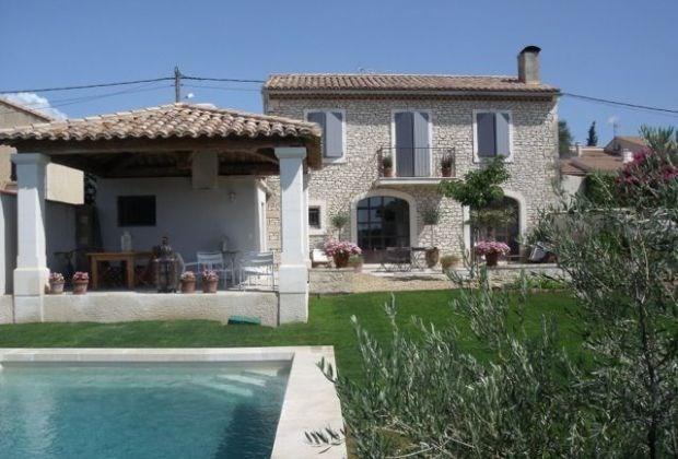 La maison du village est une superbe maison de vacances située dans le petit village très Provençal Pujaut...
