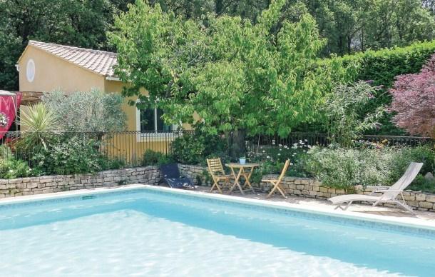 Location vacances Eyragues -  Maison - 2 personnes - Chaîne Hifi - Photo N° 1