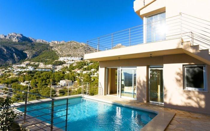 Villa el cielo est une grande et belle maison de vacances luxueuse avec piscine privée offrant