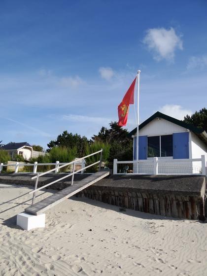la cabine vue de la plage