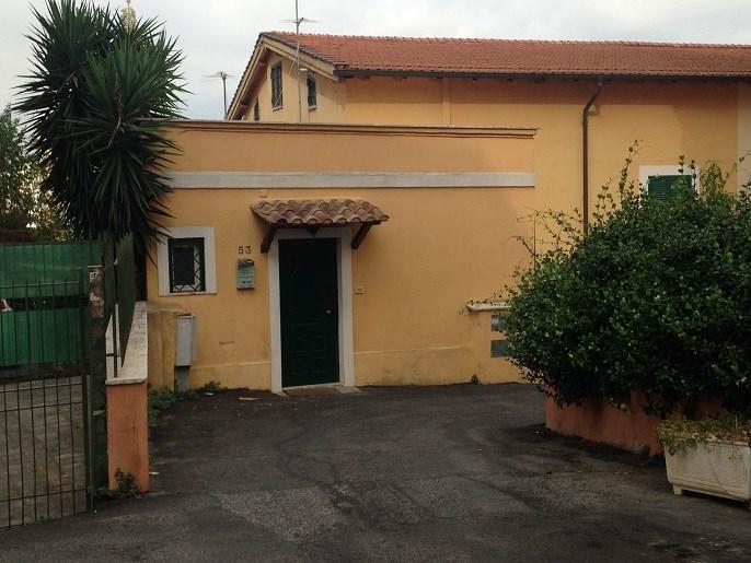 Location vacances Rome -  Appartement - 2 personnes - Cour - Photo N° 1