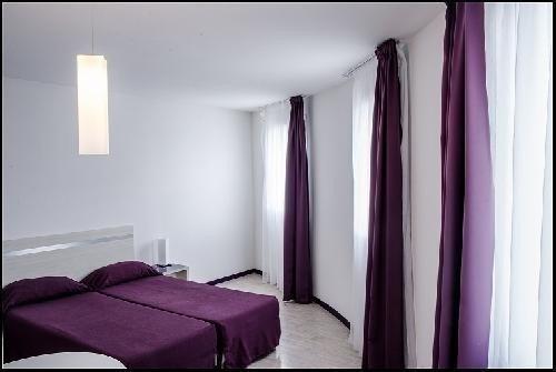 Location vacances Lourdes -  Appartement - 4 personnes - Télévision - Photo N° 1