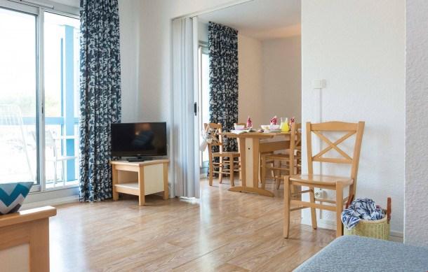 Location vacances Hourtin -  Appartement - 6 personnes - Salon de jardin - Photo N° 1