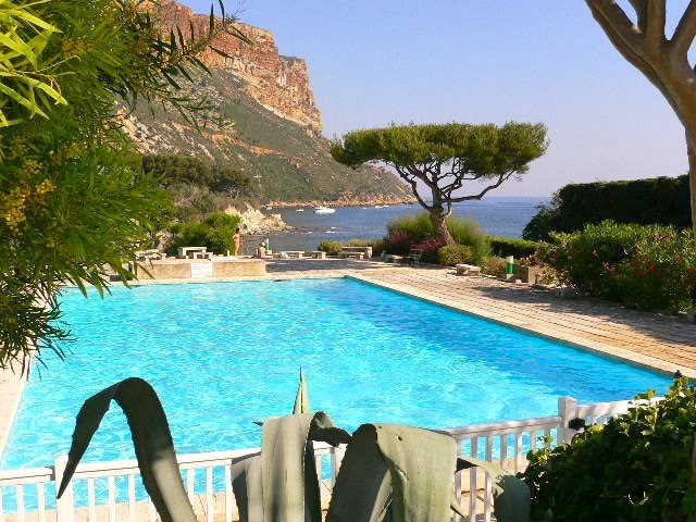 Location vacances Cassis -  Appartement - 2 personnes - Salon de jardin - Photo N° 1