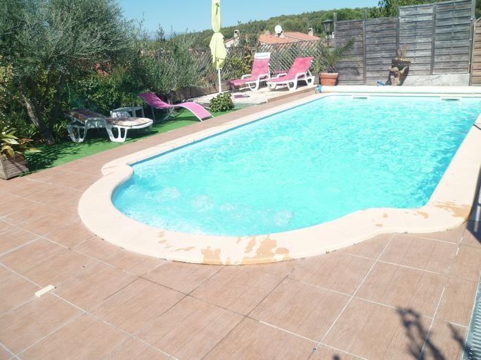 piscine chauffée (du 01 avril au 01 novembre)sans