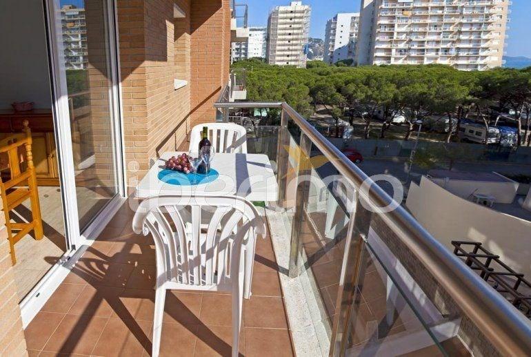 IB-3195 - Ensemble d'appartements avec piscine communautaire.