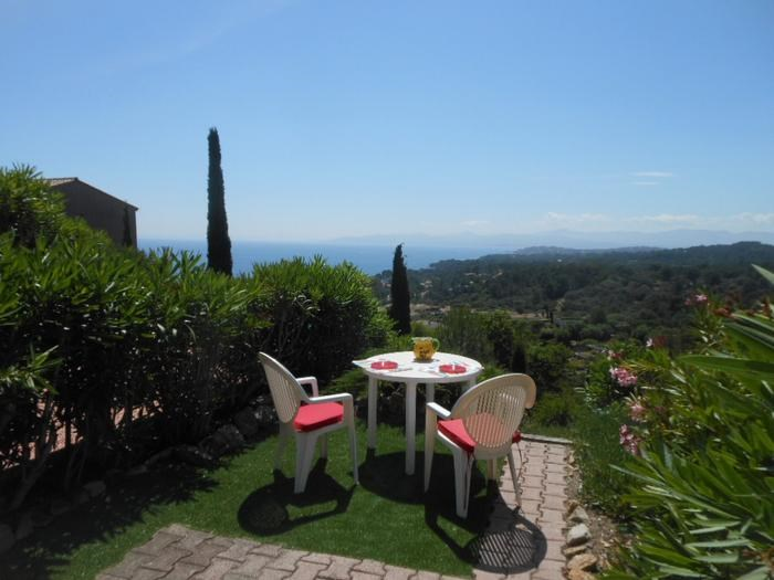 Holiday rentals Saint-Raphaël - House - 4 persons - Deck chair - Photo N° 1
