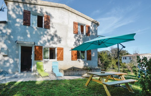 Location vacances Cervione -  Appartement - 6 personnes - Barbecue - Photo N° 1