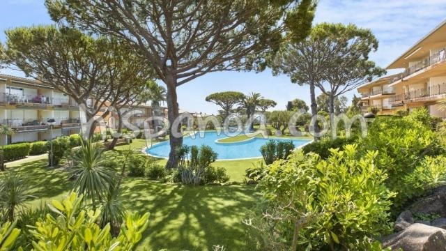 Location vacances Palafrugell -  Appartement - 4 personnes - Salon de jardin - Photo N° 1