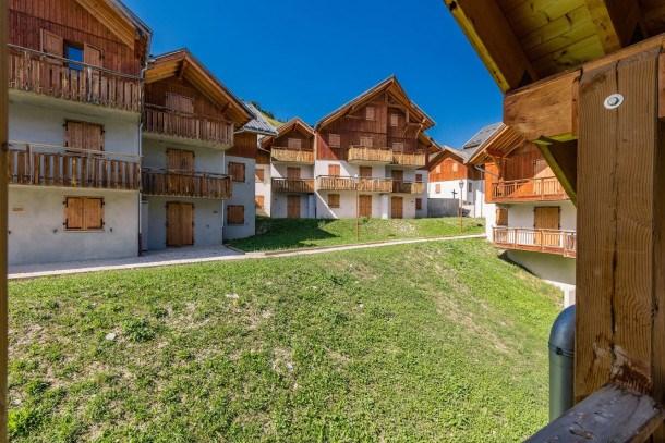 Location vacances Albiez-Montrond -  Appartement - 4 personnes - Télévision - Photo N° 1