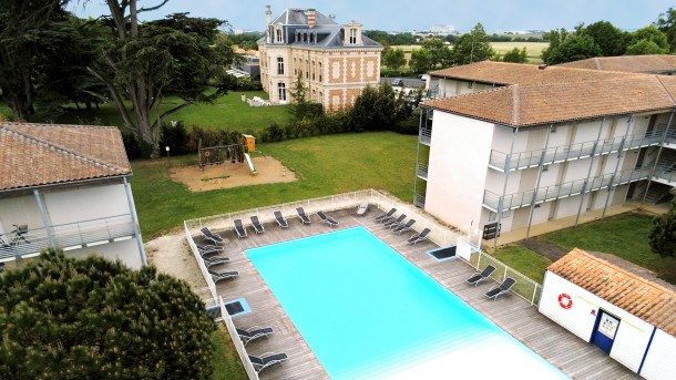 Location vacances Lagord -  Appartement - 6 personnes - Salon de jardin - Photo N° 1