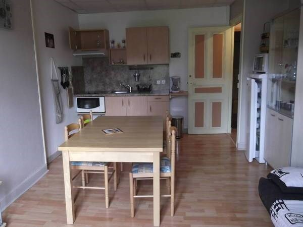 cuisine salon ,canapé lit 2 places