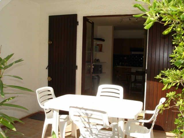 Studio coin nuit 4 personnes. Résidence les Avocettes (J2) Carriero di Courrejou, studio en rez-de-chaussée pour 4 pe...