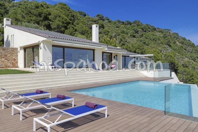 A louer belle villa moderne pour 7 avec piscine sur la costa brava  487