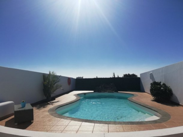 Location vacances Yaiza -  Maison - 5 personnes - Barbecue - Photo N° 1