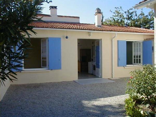 Location vacances Saint-Georges-de-Didonne -  Maison - 4 personnes - Micro-onde - Photo N° 1