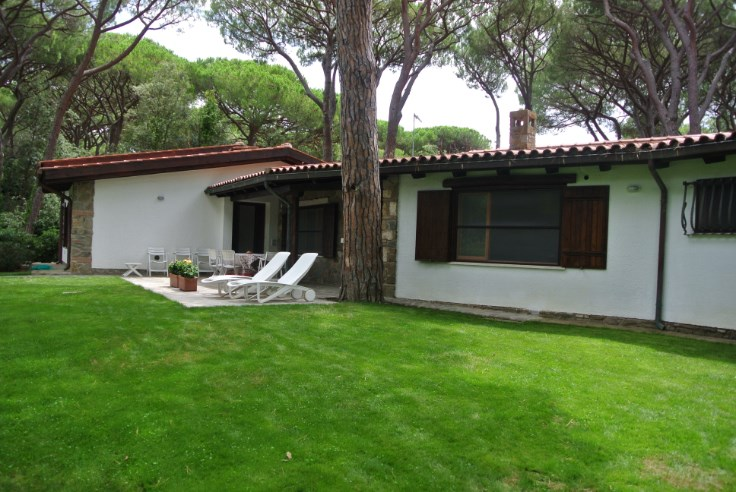 Belle villa dans pinède exclusive en bord de mer en Toscane