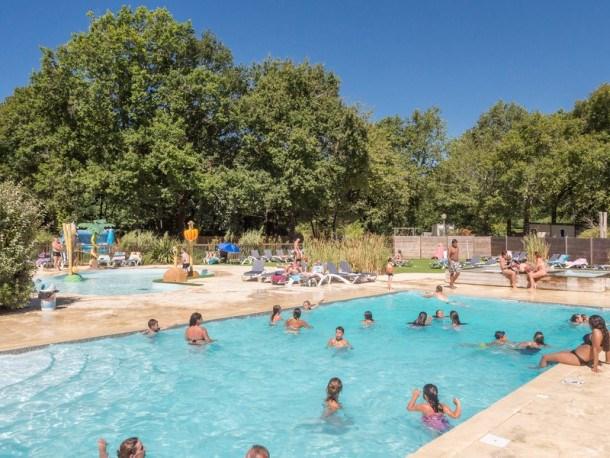 Camping Les Acacias  - 2 chambres neuf (MAX 4 adultes + 2 enfants)