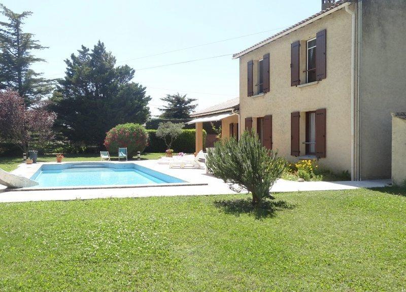 Entre Avignon et Luberon Villa avec piscine privée et Wifi gratuit