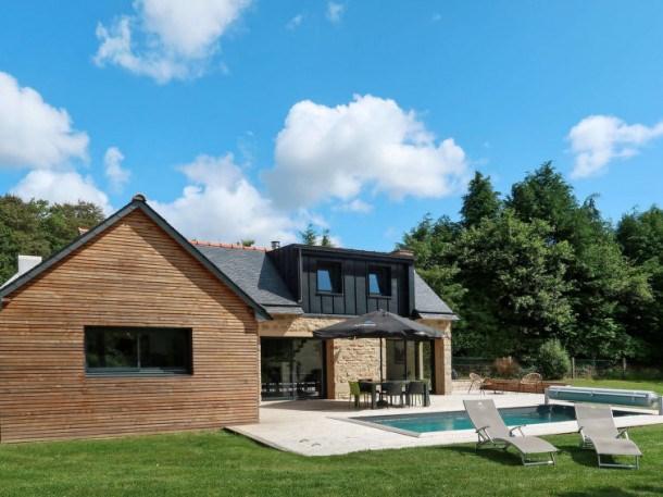 Ferienhaus mit Pool (BNO107)
