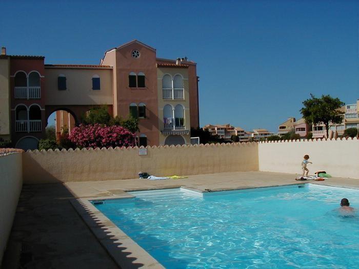 Location vacances Le Barcarès -  Appartement - 6 personnes - Jardin - Photo N° 1