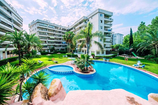 PARAISOL 2 Salou Apartment. Communal Pool