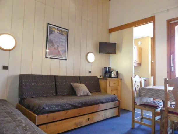 Location vacances Les Allues -  Appartement - 6 personnes - Télévision - Photo N° 1