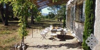 Maison de vacances situé au calme avec 4 chambres et piscine