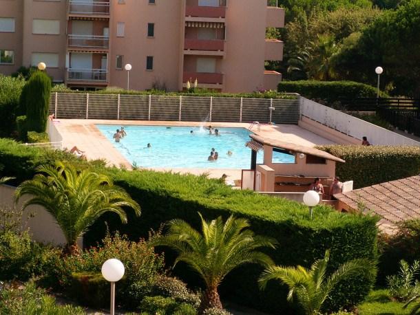 Location vacances Bormes-les-Mimosas -  Appartement - 2 personnes - Court de tennis - Photo N° 1