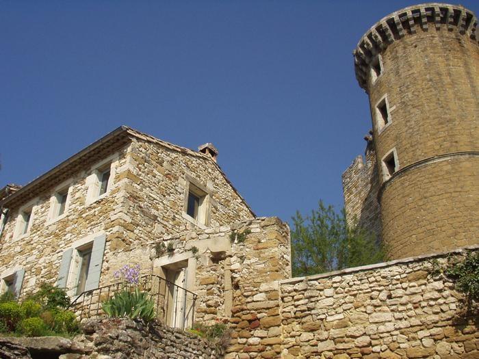 La Maison sous la tour