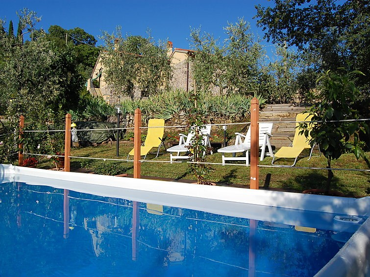 Location vacances Rufina -  Maison - 6 personnes -  - Photo N° 1