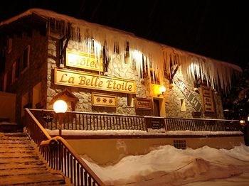 Location vacances Les Deux Alpes -  Chambre d'hôtes - 72 personnes - Chaise longue - Photo N° 1
