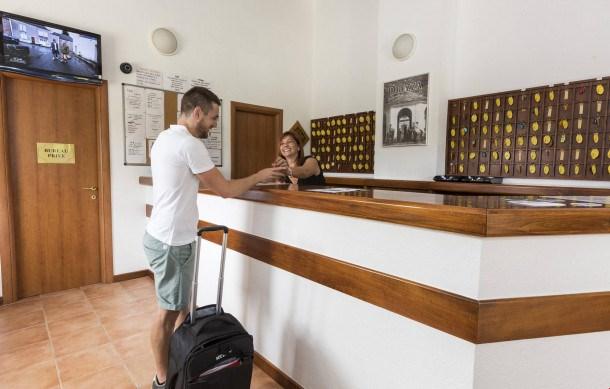 Location vacances Linguizzetta -  Appartement - 8 personnes - Congélateur - Photo N° 1