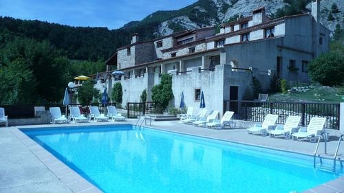 Appartement dans résidence de vacances avec piscine + tennis
