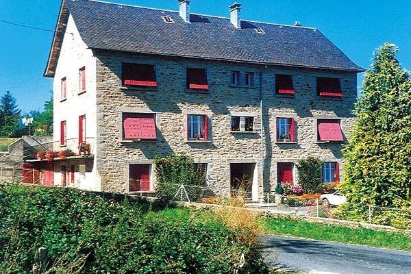 Appart 2ème étage ds maison Villefranche de Pana
