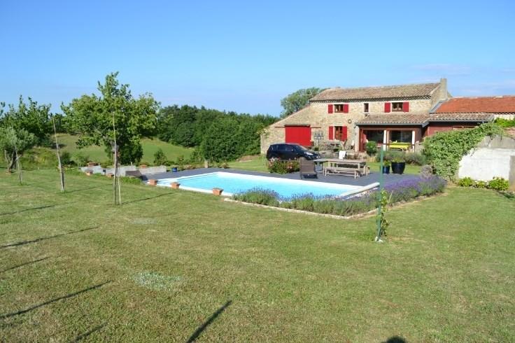 Maison avec piscine en Ardèche à Séchéras