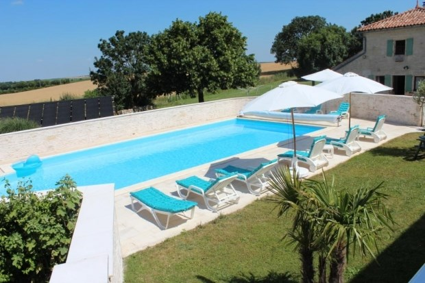 Holiday rentals Saint-Pierre-d'Amilly - Cottage - 50 persons - BBQ - Photo N° 1