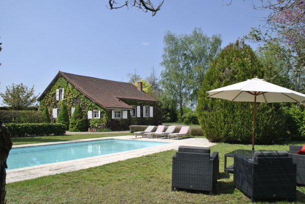 Location vacances Charrin -  Maison - 10 personnes - Barbecue - Photo N° 1